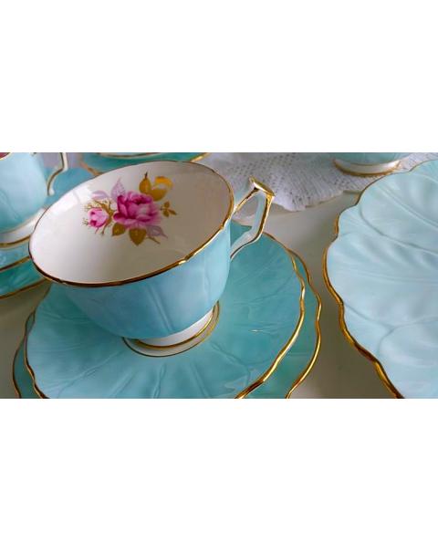 (OUT OF STOCK) AYNSLEY BLUE CROCUS SHAPE FLORAL TEA SET